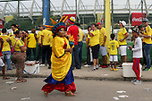Fans de Colombia llegan al estadio para el partido contra Peru en el Estadio Metropolitano Roberto Melendez de Barranquilla el  8 de octubre de 2015.<br /> <br /> Foto: Archivolatino<br /> <br /> COPYRIGHT: Archivolatino<br /> Prohibido su uso sin autorización.