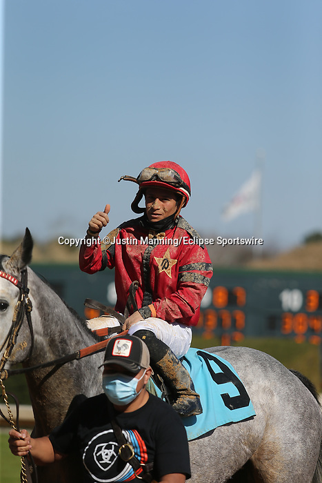 March 6, 2021: Niall (9) with jockey Walter De La Cruz aboard after winning the fourth race at Oaklawn Racing Casino Resort in Hot Springs, Arkansas on March 6, 2021. Justin Manning/Eclipse Sportswire/CSM