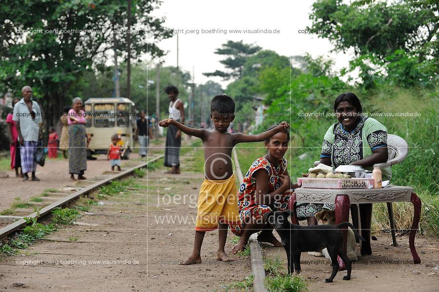 SRI LANKA Colombo, people live in slum at old railway track
