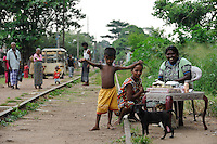 SRI LANKA Colombo, people live in slum at old railway track