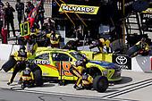 Brandon Jones, Joe Gibbs Racing, Toyota Camry Menards Jeld-Wen pit stop