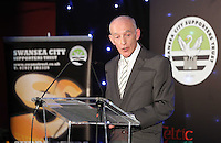 Pictured: Steve McLelland addressing the diners Wednesday 20 May 2015<br /> Re: Swansea City FC Awards Dinner at the Liberty Stadium, south Wales, UK