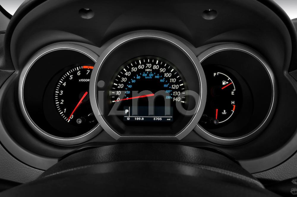 Instrument panel close up detail view of a 2009 Suzuki Grand Vitara