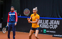 Den Bosch, The Netherlands, April 15, 2021,    Maaspoort, Billy Jean King Cup  Netherlands -  China : Practise  Aranxta Rus (NED) and her coach Julian Alonso (ESP)<br /> Photo: Tennisimages/Henk Koster