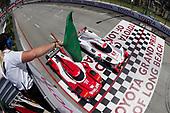 #6 Acura Team Penske Acura DPi, P: Dane Cameron, Juan Pablo Montoya , #31 Action Express Racing Cadillac DPi, P: Eric Curran, Felipe Nasr, restart