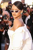 Rihanna sur le tapis rouge pour la projection du film en competition OKJA lors du soixante-dixiËme (70Ëme) Festival du Film ‡ Cannes, Palais des Festivals et des Congres, Cannes, Sud de la France, vendredi 19 mai 2017. Philippe FARJON / VISUAL Press Agency