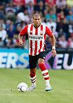 Nederland, Eindhoven, 21 juli 2015<br /> Oefenwedstrijd<br /> PSV-FC Eindhoven<br /> Jeffrey Bruma van PSV in actie met bal