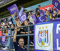 Anderlecht supporters pictured  at a female soccer game between RSC Anderlecht Dames and Standard Femina de Liege on the sixth matchday of the 2021 - 2022 season of Belgian Womens Super League , Saturday 9 th of October 2021  in Brussels , Belgium . PHOTO SPORTPIX | SEVIL OKTEM