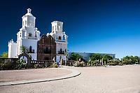Arizona Tucson Mission of Saint Xavier del Bac, spanish Catholic mission,facciata esterna, external facade