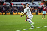 Pictured: Wayne Routledge of Swansea Saturday 10 January 2015<br /> Re: Barclays Premier League, Swansea City FC v West Ham United at the Liberty Stadium, south Wales, UK