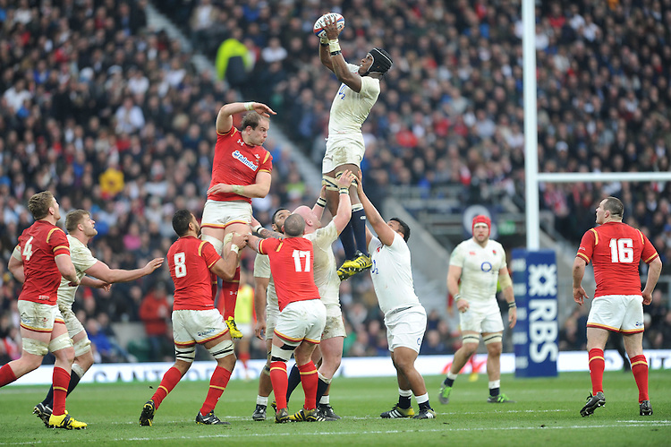 Maro Itoje of England wins the lineout ball against Alun Wyn Jones of Wales during the RBS 6 Nations match between England and Wales at Twickenham Stadium on Saturday 12th March 2016 (Photo: Rob Munro/Stewart Communications)