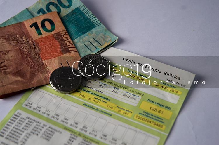 SÃO PAULO, SP, 23.05.2019:  Aumento na conta de Luz : Reajuste de 50 % na conta de luz aprovado pela Aneel Agência Nacional de Energia Elétrica nas bandeiras vermelha e amarela . (Foto: Roberto Costa /Código19).