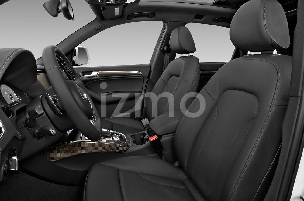 Front seat view of 2015 Audi SQ5 quattro tiptronic Premium 5 Door SUV front seat car photos