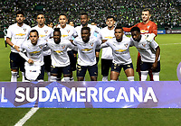 PALMIRA - COLOMBIA, 19-09-2018: Los jugadores de Liga Deportiva Universitaria de Quito, posan para una foto, antes de  partido entre Deportivo Cali (COL) y Liga Deportiva Universitaria de Quito (ECU), de los octavos de final, llave H, por la Copa Conmebol Sudamericana 2018, jugado en el estadio Deportivo Cali (Palmaseca) en la ciudad de Palmira. / The players of Liga Deportiva Universitaria de Quito, pose for a photo, prior a match between Deportivo Cali (COL) and Liga Deportiva Universitaria de Quito (ECU), of eighth finals, key H, for the Copa Conmebol Sudamericana 2018, at the Deportivo Cali (Palmaseca) stadium in Palmira city. Photo: VizzorImage  / Luis Ramirez / Staff.