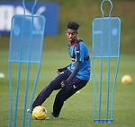 Gedion Zelalem tormenting the mannequins