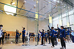 October 23, 2020, Tokyo, Japan - Apple store employees count down for the sale of the new 5G iPhone, iPhone 12 and iPhone 12 Pro at an Apple store in Tokyo on Friday, October 23, 2020. iPhone 12 and iPhone 12 Pro started to sell here while iPhone 12 Pro Max and iPhone 12 mini will go on sale next month.        (Photo by Yoshio Tsunoda/AFLO)