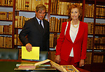 LETIZIA MORATTI CON PIETRO LUNARDI<br /> INAUGURAZIONE NUOVA SEDE DELLA BIBLIOTECA DEL SENATO -<br /> PIAZZA DELLA MINERVA ROMA 2003