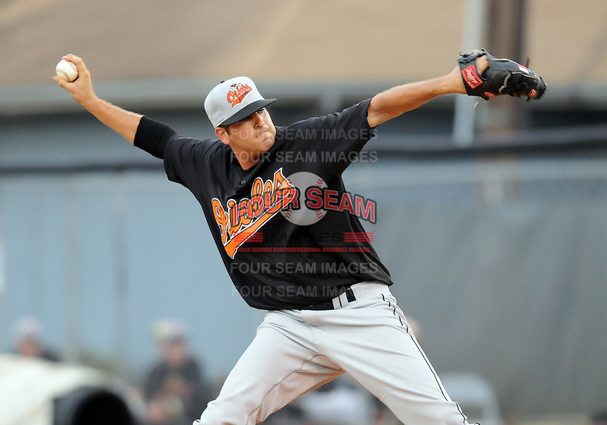 August 1, 2009: RHP Chase Phillips (26) of the Bluefield Orioles, rookie Appalachian League affiliate of the Baltimore Orioles in a game at Howard Johnson Field in Johnson City, Tenn. Photo by: Tom Priddy/Four Seam Images