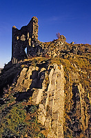 Europe/France/Auvergne/15/Cantal/Apchon: Les ruines du Château