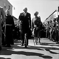 Le General Georges-Phileas Vanier et son epouse Pauline Archer Vanier, le 15 septembre 1963, a Limoilou.<br /> <br /> Photographe : Photo Moderne - Agence Quebec Presse