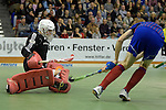 GER - Muelheim an der Ruhr, Germany, February 05: During the FinalFour final men hockey match between Rot-Weiss Koeln (whize) and Mannheimer HC (blue) on February 5, 2017 at innogy Sporthalle in Muelheim an der Ruhr, Germany. (Photo by Dirk Markgraf / www.265-images.com) *** Local caption *** Fabian Pehlke #32 of Mannheimer HC