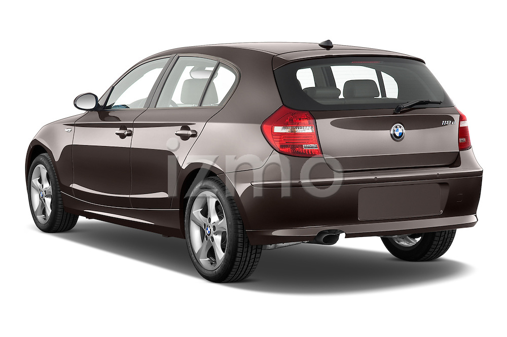 Rear three quarter view of a 2004 - 2011 BMW 1-Series 118i 5 Door Hatchback 2WD.