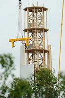 GERMANY Hannover, Timbertower GmbH, construction of 100 metre high  timber tower for 1,5 MW VENSYS wind turbine / DEUTSCHLAND Hannover, die TimberTower GmbH errichtet den ersten 100 Meter Holzturm für eine 1,5 Megawatt Windkraftanlage der Firma Vensys in Hannover-Marienwerder