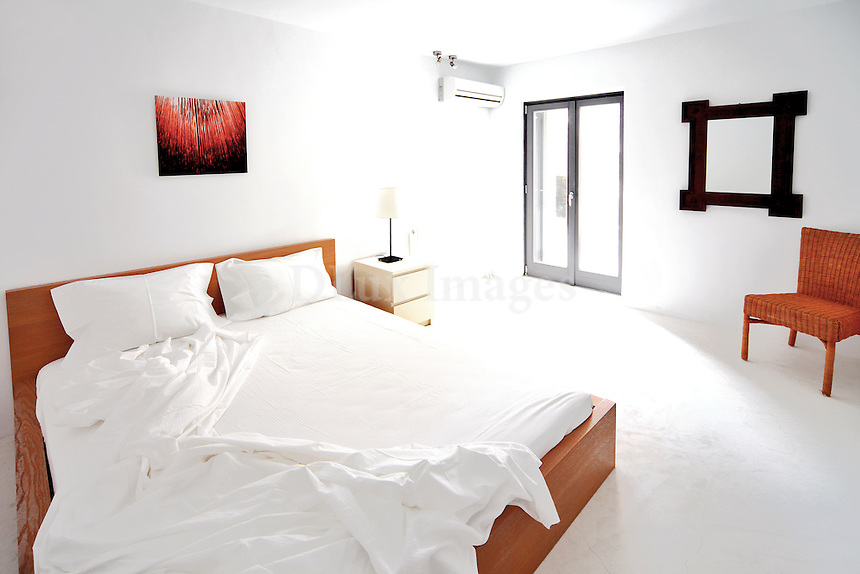contemporary minimal bedroom