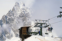 - Courmayeur, tourist resort, chairlift Plan Checrouit....- Courmayeur, località turistica, seggiovia di Plan Checrouit