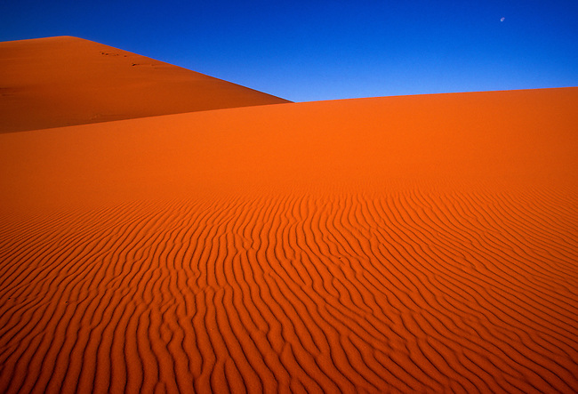 Sand dunes at Erg Chebbi, Morocco, Africa