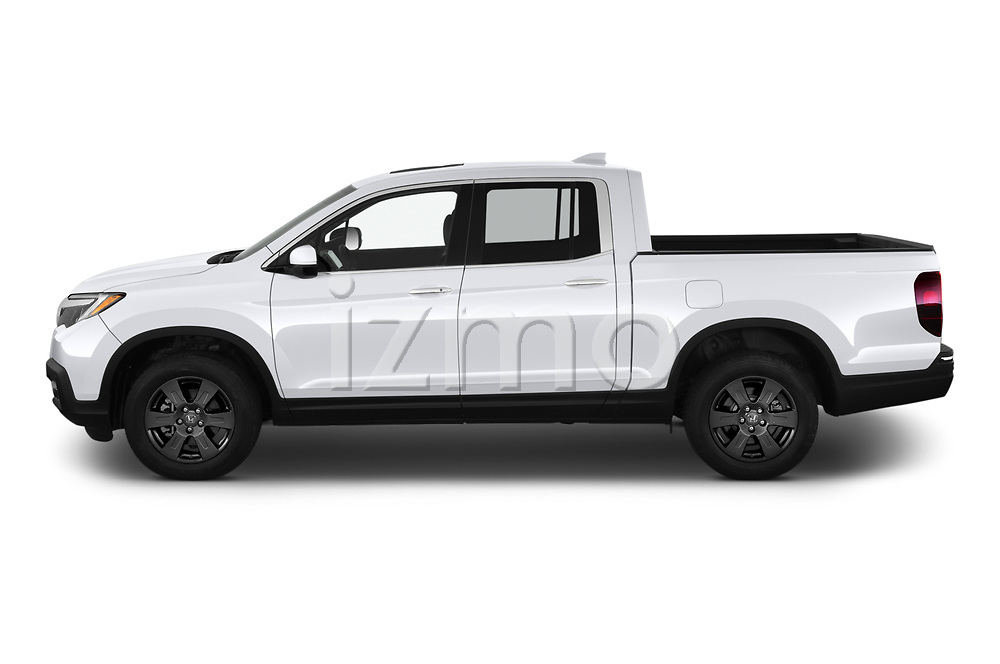 Car Driver side profile view of a 2020 Honda Ridgeline RTL-E 4 Door Pick-up Side View