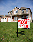 USA, Illinois, Metamora, For sale sign in front of house