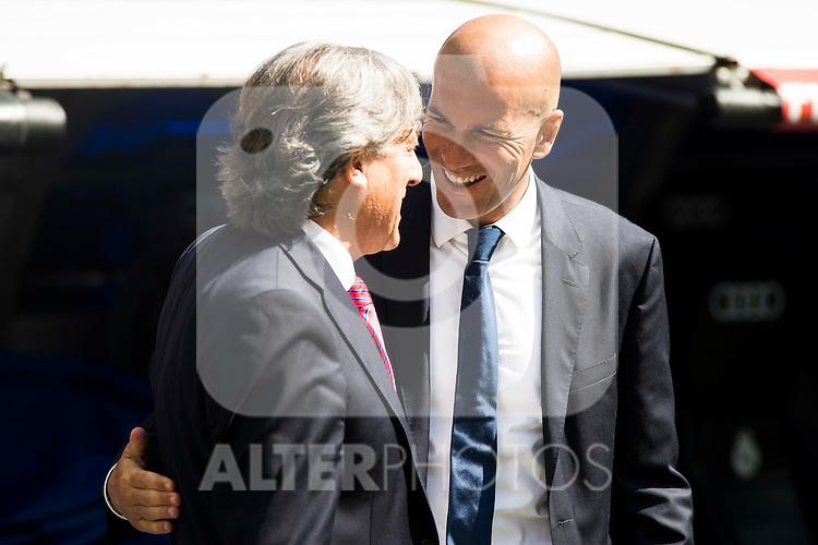 Real Madrid's coach Zinedine Zidane and Osasuna coach Enrique Martin Monreal shake hands before the match of La Liga Santander at Santiago Bernabeu Stadium in Madrid. September 10, Spain. 2016. (ALTERPHOTOS/BorjaB.Hojas)