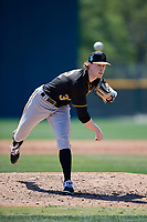 Pittsburgh Pirates pitcher Shane Kemp (32) during a minor league Spring Training game against the Atlanta Braves on March 13, 2018 at Pirate City in Bradenton, Florida.  (Mike Janes/Four Seam Images)