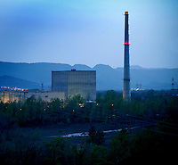 The nuclear power station of Garoña's Santa Maria is in the peninsula formed By A Meander of the river Ebro, placed at a height of the people of the Same Name in Tobalina Burgalés's Valley. The nuclear power station of Garoña's Santa Maria is A nuclear power station of Electrical Generation of the Type BWR That HAS installed Una Potencia of 460 MW. From The Year 2006 it is the nuclear power station in Assets more ancient of Spain, After THE CLOSING of Jose Cabrera's  nuclear power station. April 6, 2011. (C) Pedro Armestre