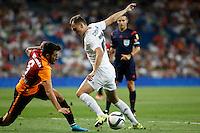 Real Madrid´s Cheryshev and Galatasaray´s Jem Karacan (L) during Santiago Bernabeu Trophy match at Santiago Bernabeu stadium in Madrid, Spain. August 18, 2015. (ALTERPHOTOS/Victor Blanco)