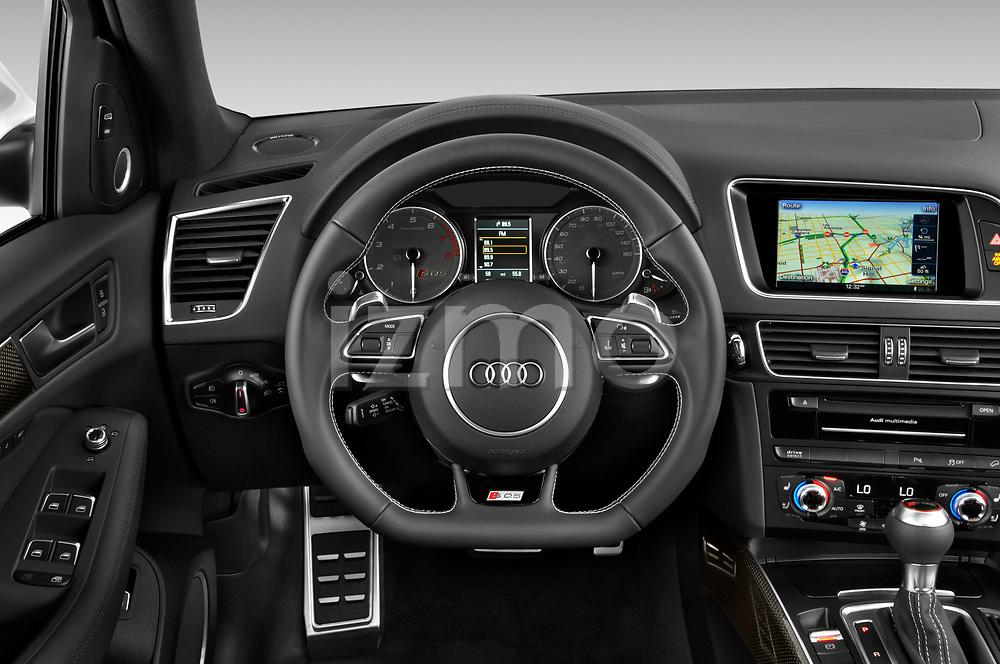Car pictures of steering wheel view of a 2015 Audi SQ5 quattro tiptronic Premium 5 Door SUV