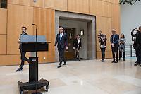 Der Grune Abgeordnete Voker Beck erklaerte sich am Mittwoch den 13. April 2016 in Berlin vor Medienvertretern zu seiner Verhaftung wegen Drogenkauf. Er erklaerte, dass sein Verhalten ein Fehler und er als Abgeordneter keinerlei Sonderrechte geniesse, was eine Verfolgung von ungesetzlichen Handlungen angehe.<br /> 13.4.2016, Berlin<br /> Copyright: Christian-Ditsch.de<br /> [Inhaltsveraendernde Manipulation des Fotos nur nach ausdruecklicher Genehmigung des Fotografen. Vereinbarungen ueber Abtretung von Persoenlichkeitsrechten/Model Release der abgebildeten Person/Personen liegen nicht vor. NO MODEL RELEASE! Nur fuer Redaktionelle Zwecke. Don't publish without copyright Christian-Ditsch.de, Veroeffentlichung nur mit Fotografennennung, sowie gegen Honorar, MwSt. und Beleg. Konto: I N G - D i B a, IBAN DE58500105175400192269, BIC INGDDEFFXXX, Kontakt: post@christian-ditsch.de<br /> Bei der Bearbeitung der Dateiinformationen darf die Urheberkennzeichnung in den EXIF- und  IPTC-Daten nicht entfernt werden, diese sind in digitalen Medien nach §95c UrhG rechtlich geschuetzt. Der Urhebervermerk wird gemaess §13 UrhG verlangt.]