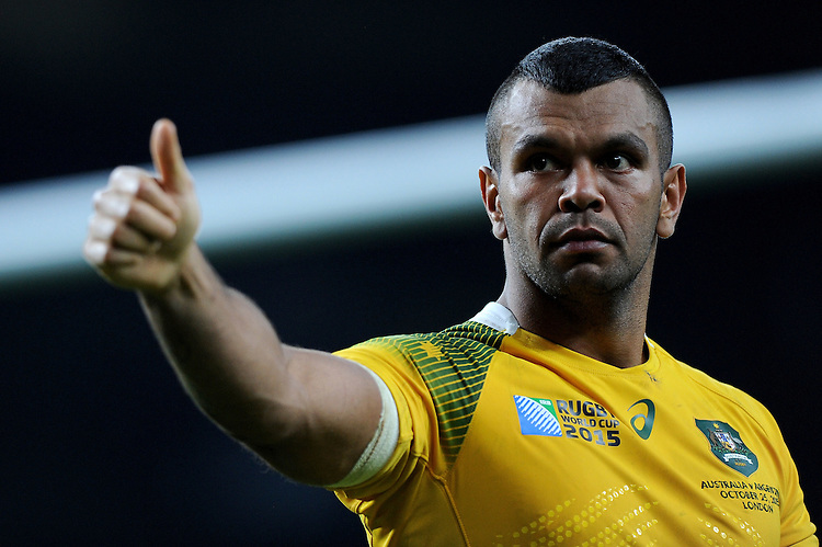 Kurtley Beale of Australia thanks the fans at the end of the Semi Final of the Rugby World Cup 2015 between Argentina and Australia - 25/10/2015 - Twickenham Stadium, London<br /> Mandatory Credit: Rob Munro/Stewart Communications