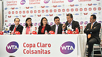BOGOTÁ-COLOMBIA-13-02-2013: Se realizó a cabo el lanzamiento de la Copa de Tenis Claro-Colsanitas 2013 en la ciudad de Bogotá, febrero 13 de 2013, Evento que se realizó en El Cubo, con la presencia de la ex tenista Fabiola Zuluaga y de La espa{ola Conchita Martínez ex número dos del mundo, las cuales disputaron un  Short Set, que favoreció a la española 4-2, el torneo va del 16 al 24 de febrero de los corrientes. (Foto: VizzorImage / Luis Ramirez / Staff). Was launched Tennis Cup Clao- Colsanitas 2013, in Bogotá, February 13, 2013, an event that took place in The Cube, with the presence of former tennis Fabiola Zuluaga and the spanish Conchita Martinez, ex world number two, which played out a Short Set, which favored to the spanish 4-2, the tournament runs from 16 to 24 February the currents. (Photo: VizzorImage / Luis Ramirez / Staff)......