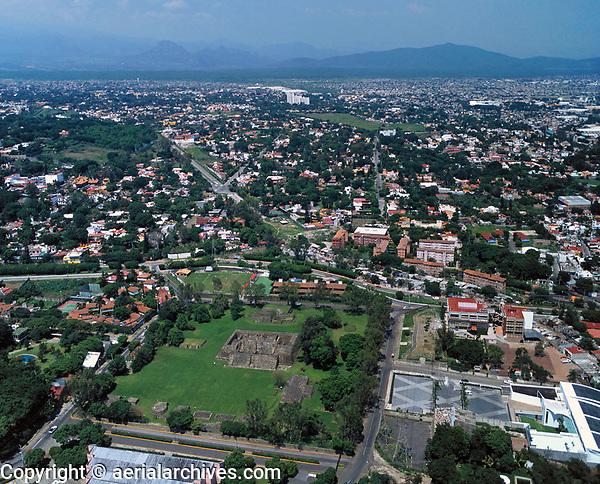 aerial photograph of the Teopanzolco, Cuernavaca, Morelos, Mexico | fotografía aérea de Teopanzolco, Cuernavaca, Morelos, México
