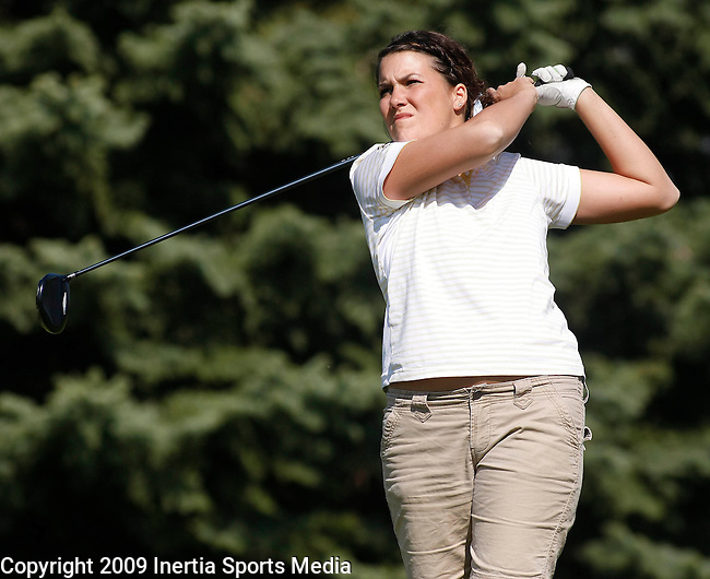 SIOUX FALLS, SD - MAY 5, 2009 :  Kelli Lowry of Augustana College tees off on the 2nd hole at Westward Ho Tuesday during the 2009 NCAA Division II Super Regional Three Women's Golf Championships. (Photo by Dick Carlson/Inertia)