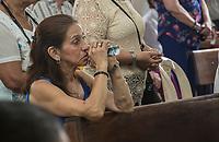 GINEBRA - COLOMBIA: 18-04-2018. Un feligrés es visto durante el jueves santo en la población de Ginebra, Valle del Cauca, Colombia, de la semana santa para los cristianos. / A parishioner is seen during the holy thursday in  the town of Ginebra, Valle del Cauca, Colombia as part of Easter Week to the Christians.  Photo: VizzorImage / Gabriel Aponte / Staff