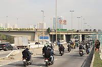 SÃO PAULO, SP, 12.06.2021 - POLITICA-SP - Motociclistas acompanham o Presidente da República, Jair Bolsonaro, que participa de passeio motociclístico com apoiadores, por algumas das principais ruas e avenidas de São Paulo, neste sábado, 12. (Foto Charles Sholl/Brazil Photo Press)