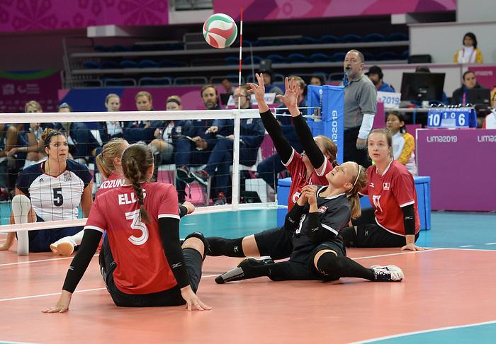 Sarah Melenka, Danielle Ellis, Jolan Wong, and Julie Kozun, Lima 2019 - Sitting Volleyball // Volleyball assis.<br /> Canada competes in women's Sitting Volleyball // Canada participe au volleyball assis féminin. 26/08/2019.