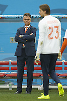 Netherlands manager Louis van Gaal watches Goalkeeper Tim Krul