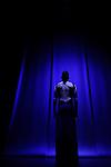 NOS CHARMES N'AURONT PAS SUFFI<br /> <br /> Conception et Chorégraphie : Mélanie Perrier<br /> Interpréte : Julie Guibert<br /> Lumière et Costume: Erik Houllier & Alexandra Bertaut<br /> Création musicale : Silvia Borzelli<br /> Assistante chorégraphique/notatrice benesh : Cécile Médour<br /> Vidéo : Sophie Laly<br /> Compagnie2minimum<br /> Lieu : Forum du Blanc Mesnil<br /> Ville : Le Blanc Mesnil<br /> Date : 21/05/2014<br /> © Laurent Paillier / photosdedanse.com