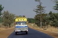 - minibus in public service....- minibus in servizio pubblico