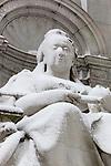 Great Britain, England, London: Queen Victoria statue on the Queen Victoria Memorial opposite Buckingham Palace| Grossbritannien, England, London: Queen Victoria Statue des Queen Victoria Memorials gegenueber vom Buckingham Palast