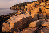 AJ4475, Acadia National Park, Maine, Acadia, Atlantic Ocean, Early morning light on the rocky coastline of Acadia Nat'l Park in the state of Maine.